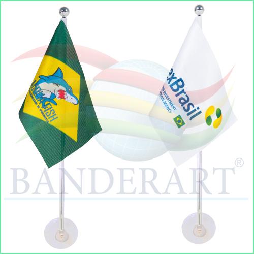 Bandeira com haste e ventosa